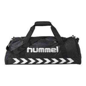 Authentic Sports Bag fra Hummel er et godt eksempel på den helt klassiske sportstaske.